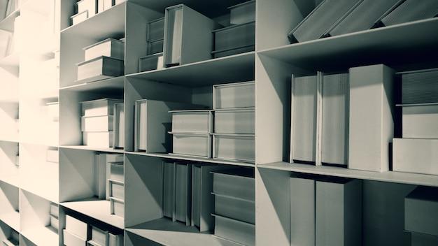 Realistische witte kleur boekenplank stapel mock-up voor decoratie in de leeszaal die elk boek