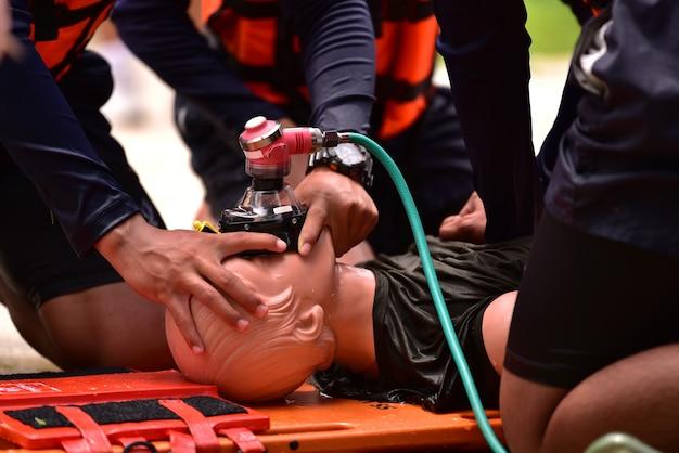 Reanimatie instructeur opleiding voor hulpverlener