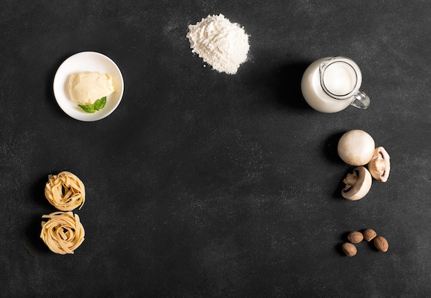 Recept van pasta met champignons en bechamelsaus