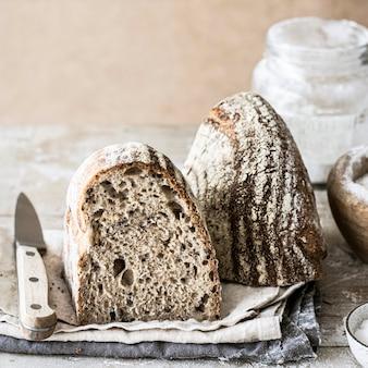 Receptidee voor vers zelfgebakken brood Gratis Foto