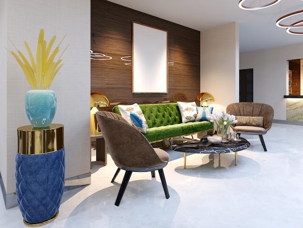 Receptieruimte en zithoek met mooie gekleurde meubelbank met twee fauteuils metalen poten