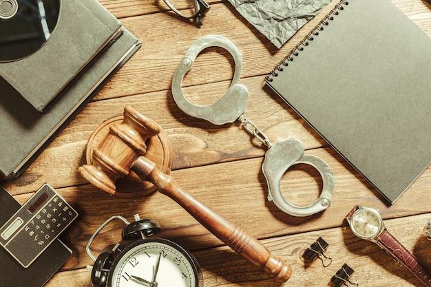 Recht en rechtvaardigheid thema.