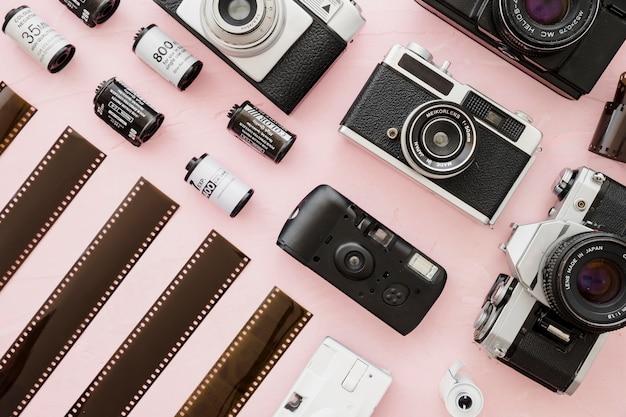Rechte rijen camera's en film