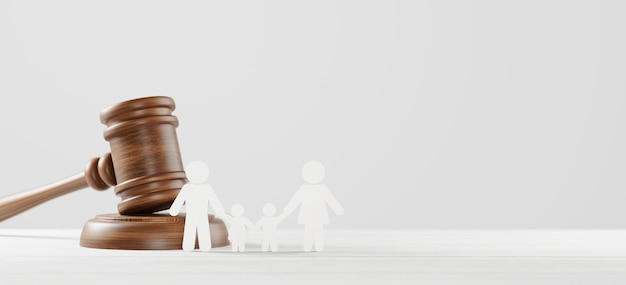Rechter hamer en pictogram menselijke familie op houten achtergrond. familierecht of echtscheiding, legaliteit, adoptieconcept. 3d illustratie