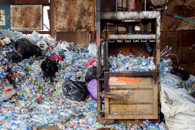 Recycle plastic uit een waterfles