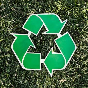 Recycleer achtergrond met kringloopteken