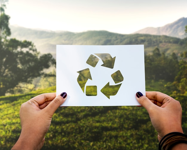 Red de wereld-ecologie milieubehoud geperforeerd papierrecycling