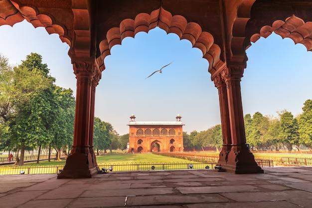 Red fort delhi, zicht op lal qila vanuit diwan-i-aam, india.