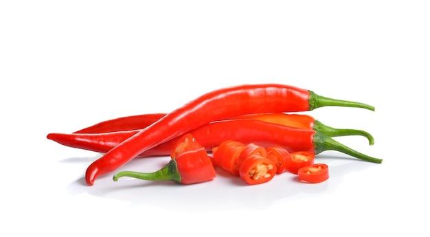 Red hot chili peppers geïsoleerd