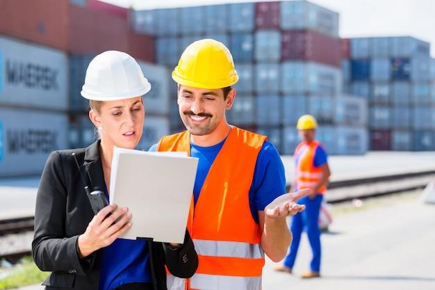 Rederij werknemers voor containers