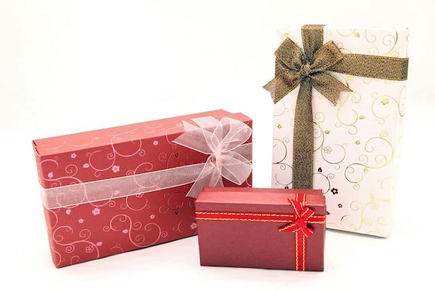 Reeks mooie geïsoleerde dozen van de vakantiegift