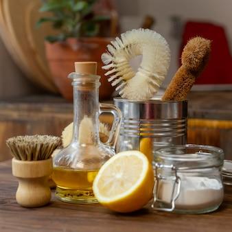 Regeling met citroenen en schoonmaakartikelen