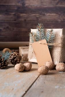 Regeling met doos en smakelijke noten