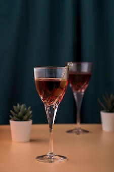 Regeling met dranken en kleine planten