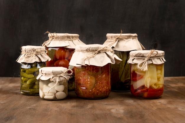 Regeling met groenten in het zuur
