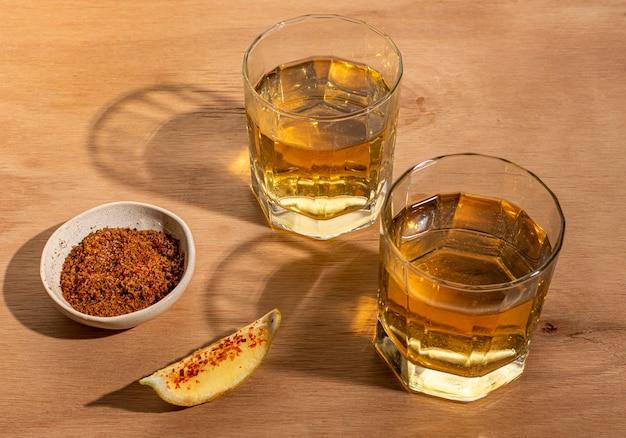 Regeling met heerlijke mezcal-drank