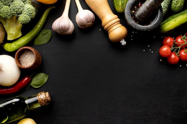 Regeling van heerlijke verse groenten met kopie ruimte