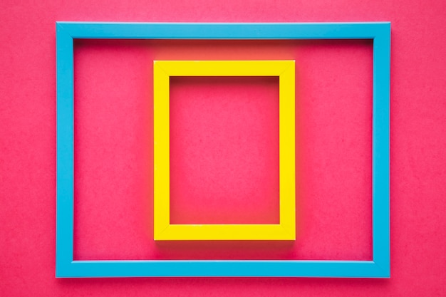 Regeling van kleurrijke kaders met roze achtergrond