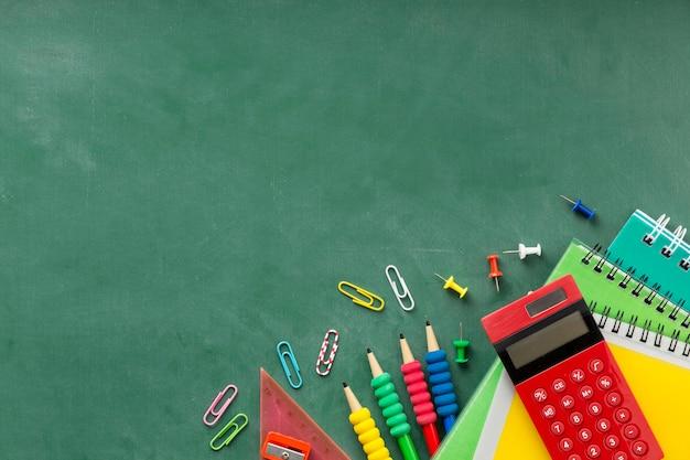Regeling van onderwijsdagelementen met exemplaarruimte
