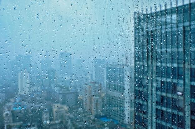 Regen druppels op raam