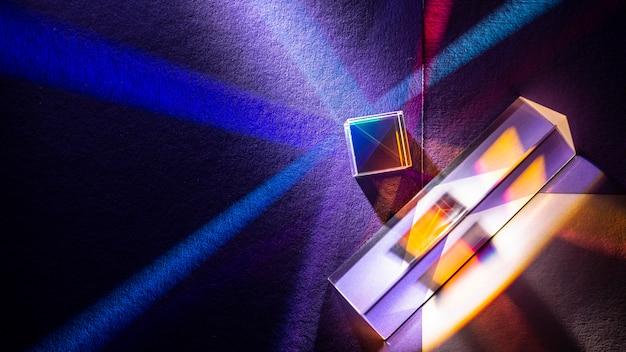 Regenboog steekt prisma-effect plat