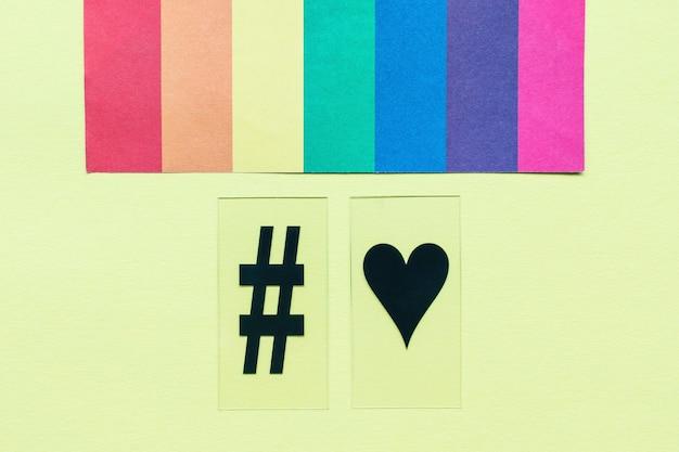Regenboogvlag hashtag en hartsymbolen