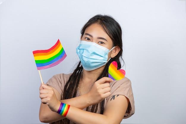 Regenboogvlagbewustzijn voor lgbt-gemeenschapstrotsconcept