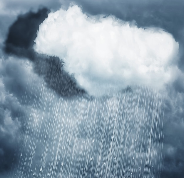 Regenwolk op donkere hemel