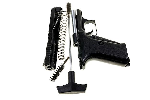 Reiniging van het pistool 9 mm.