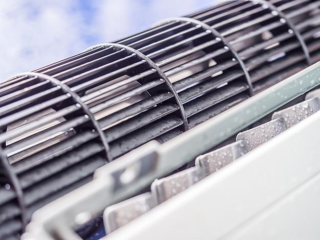 Reinigingsproces en service van de airconditioner