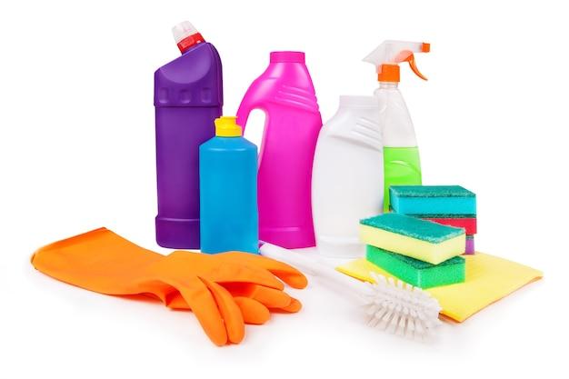 Reinigingsproducten geïsoleerd op wit