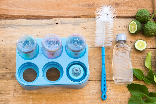 Reinigingsvloeistof wassextract van kruidenkaffirkalk voor het reinigen van flessenmelk