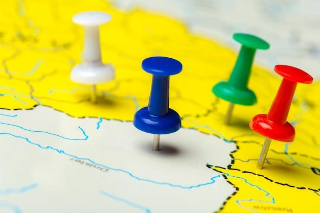 Reisbestemmingspunten op een kaart