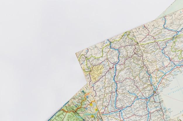 Reisconcept met kaartachtergrond