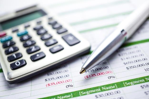 Rekenblad, rekenmachine, grafieken en grafieken. financiën, account, statistieken en bedrijf