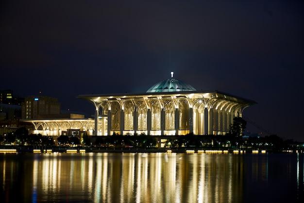 Religie nacht longexposure kenmerkende gebouw