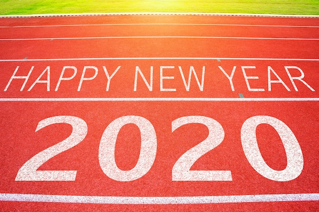 Renbaan rennen met 2020 happy new year-tekst