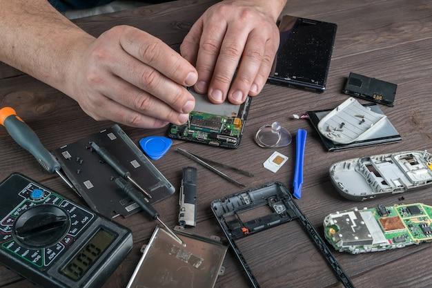 Reparatie van defecte mobiele telefoon