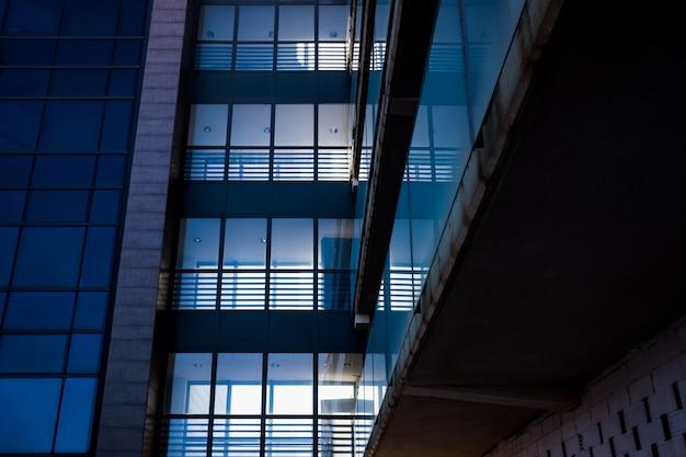 Residentiële appartementen en flats, bedrijfsimago als achtergrond
