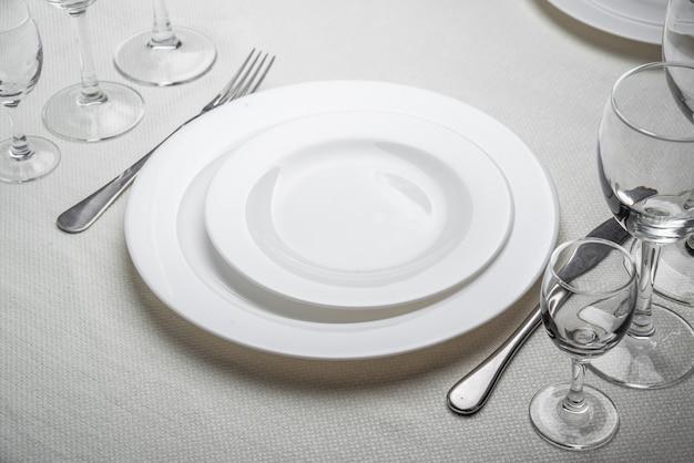 Restaurant interieur, tafel instelling