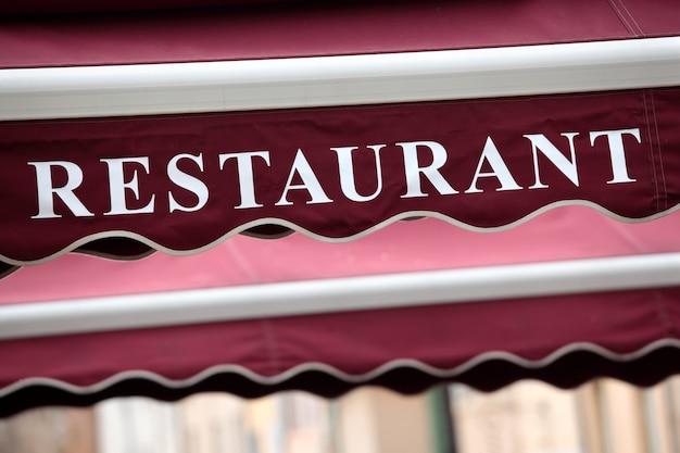Restaurant sign in parijs