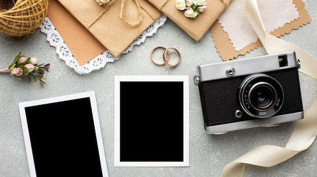 Retro camera foto's kopiëren ruimte bruiloft schoonheid concept