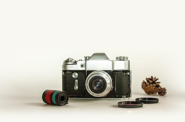 Retro camera met lens