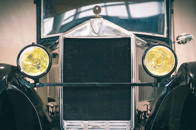 Retro car-tentoonstelling