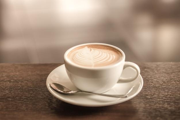 Retro hete latte koffie dichte omhooggaand
