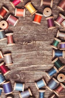 Retro houten naaispoelen