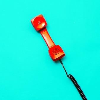 Retro telefoon. minimale ontwerpkunst