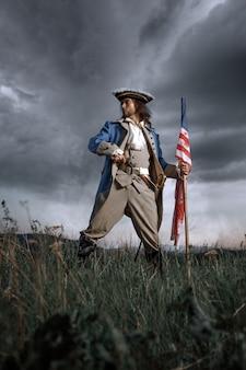 Revolutie oorlogsmilitair met amerikaanse vlag