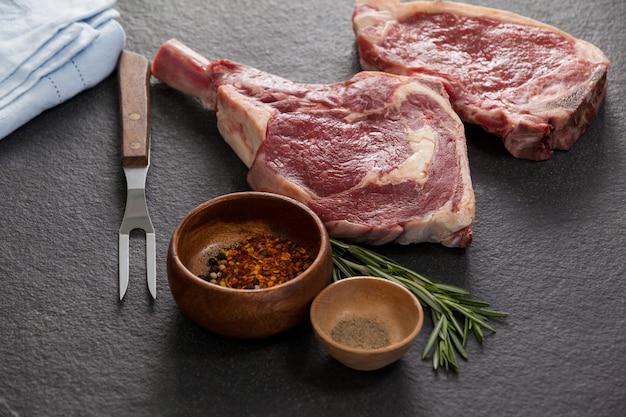 Rib chop, entrecote en ingrediënten
