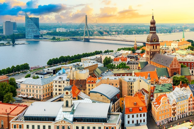 Riga, letland zonsondergang